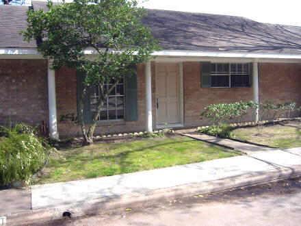 10122 Shadow Wood Dr #APT 12, Houston TX 77043