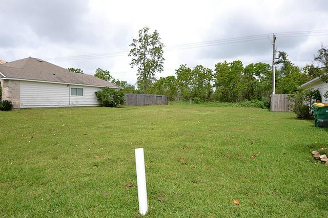 3823 Dogwood Trl, Baytown, TX