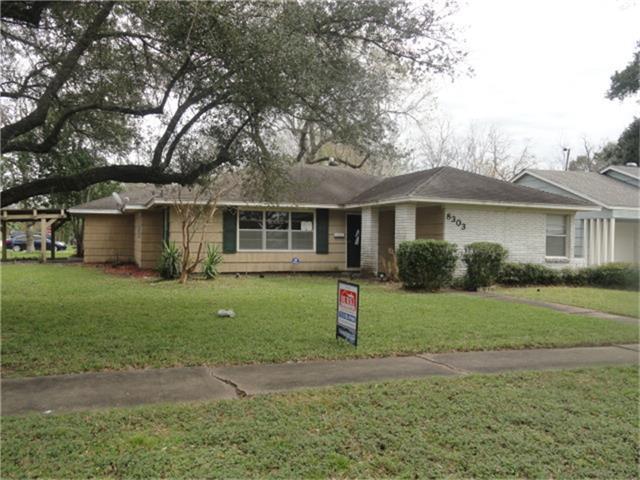 8303 Albacore Dr, Houston TX 77074