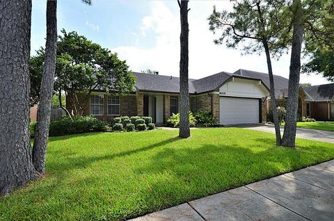16019 Surrey Woods, Friendswood, TX 77546