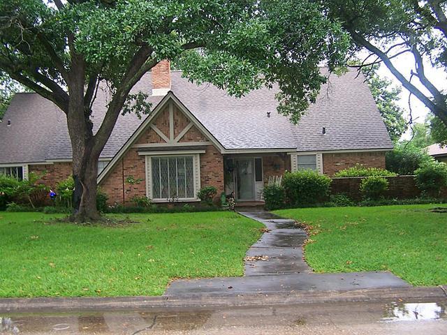 5012 Goose Creek Dr, Baytown TX 77521