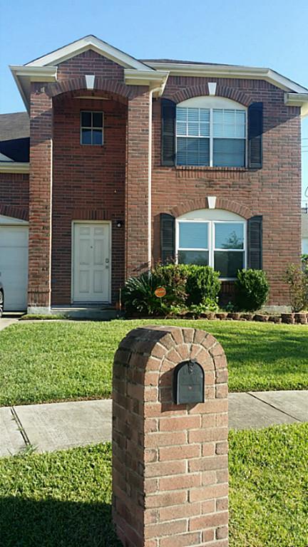 10102 Hollyvine Ln, Houston, TX