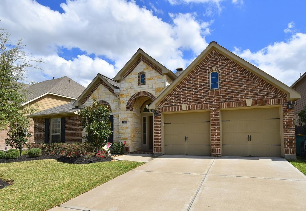 2705 Night Song Dr, Pearland, TX