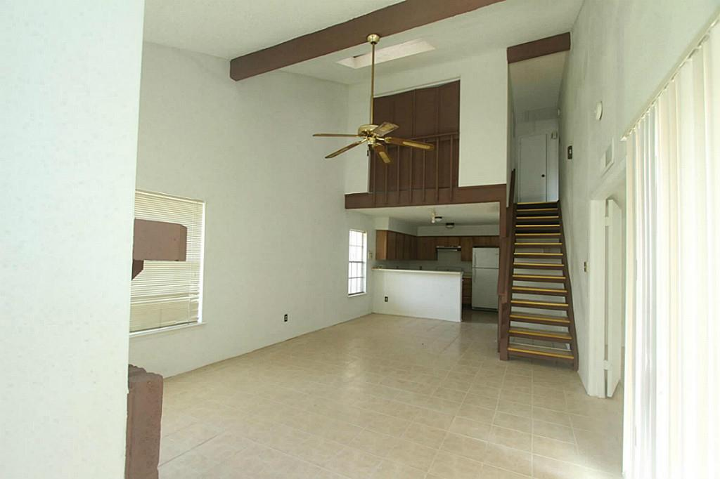 11909 S Bob White #APT 837, Houston, TX