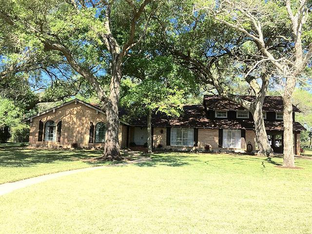 112 Post Oak, Lake Jackson, TX