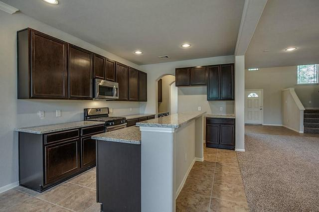 13323 Hidden Manor Ct, Willis, TX