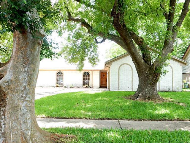 9914 Carlow Ln, La Porte, TX