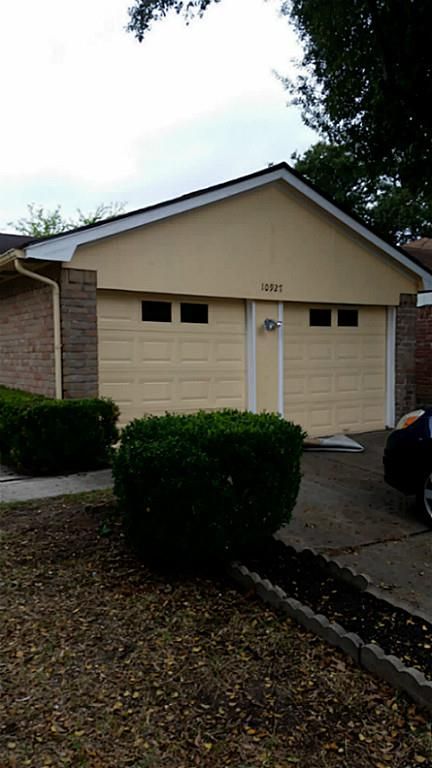 10927 Wilkenburg Dr, Houston, TX