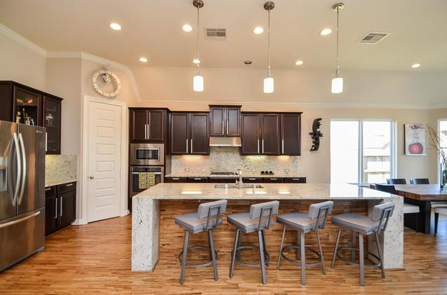 3423 Leaning Willow Dr, Katy TX 77494