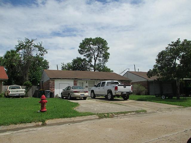 502 Harold Ln, Baytown TX 77521