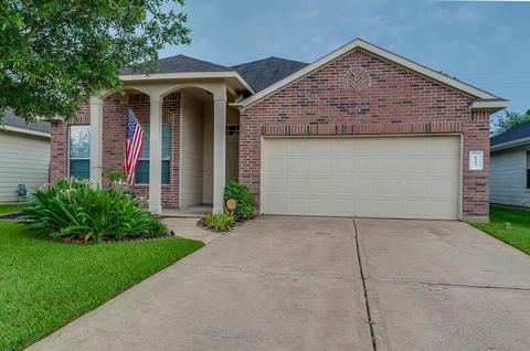 6723 Hidden Colony Ln, Dickinson, TX 77539