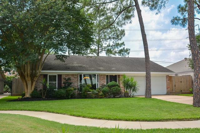 12962 Westleigh Dr, Houston, TX