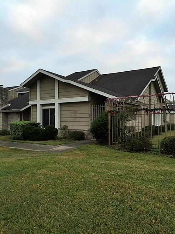 12215 Bob White Dr, Houston, TX