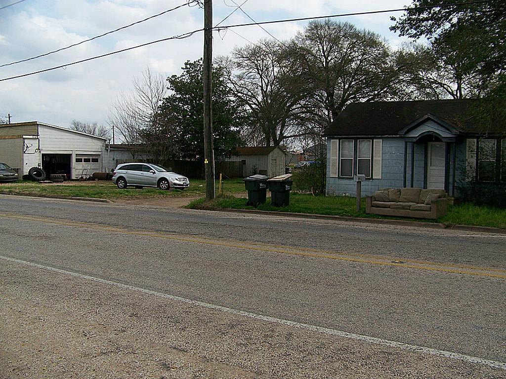 318 Columbus, Sealy, TX