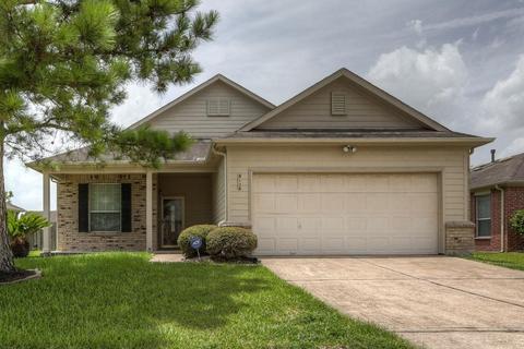 3124 Centennial Village Dr, Pearland, TX 77584