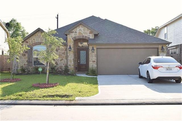 8207 Broadleaf, Baytown TX 77521