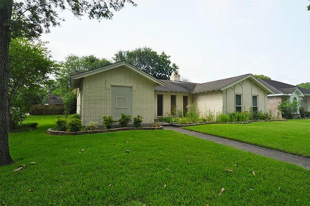 1130 Montour Dr, Houston, TX