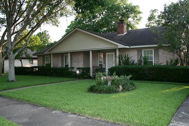 7714 Kendalia Dr, Houston, TX