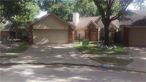 9626 Top Gallant, Houston, TX 77065