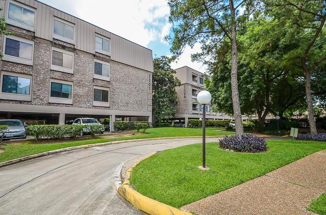 2211 S Braeswood Blvd, Houston TX 77030
