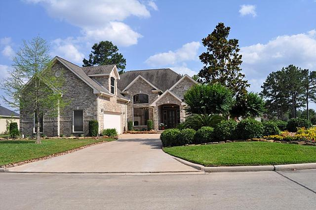 163 Wick Willow Dr, Montgomery, TX