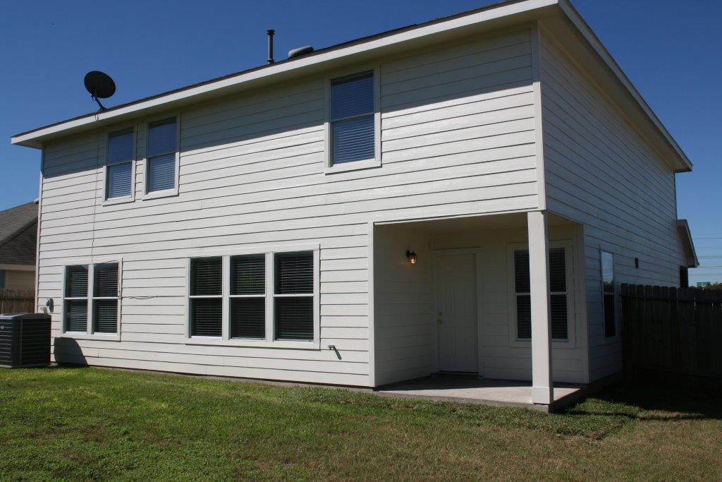 13001 Glenwyck Dr, Houston TX 77045