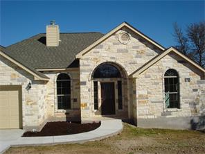 160 S Lakeview Dr, Del Valle, TX