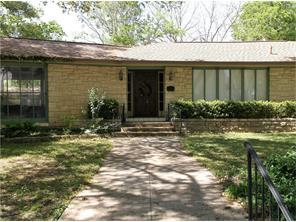 229 E Davilla Ave, Rockdale, TX
