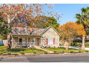 1128 W Hopkins St, San Marcos, TX
