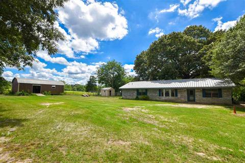 1471 Holly Rd, Gilmer, TX 75644