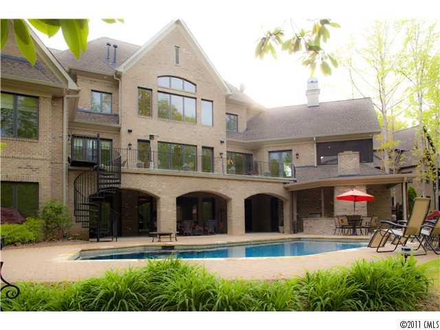 3051 Kings Manor Dr, Matthews NC 28104