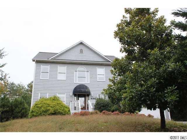 6085 Gold Creek Estate Dr, Hickory NC 28601