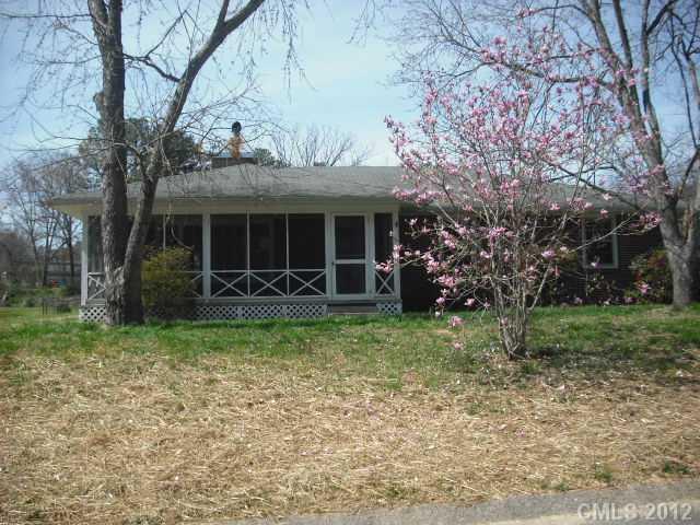 1301 Hillwood Dr, Gastonia, NC