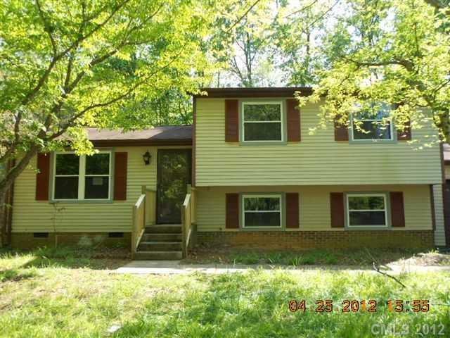 6215 Fringe Tree Ln, Charlotte, NC