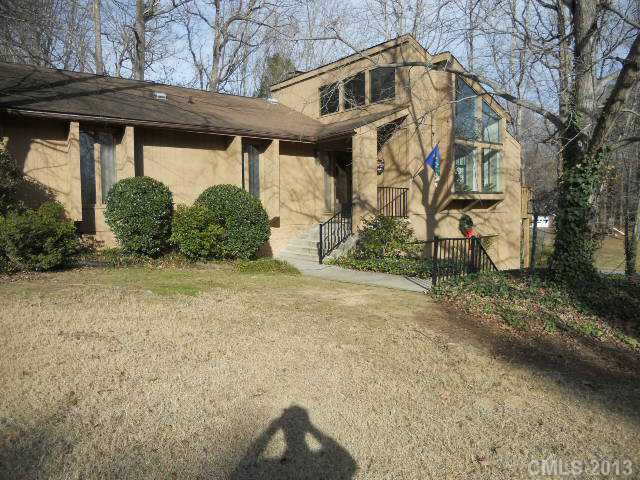 302 White Oaks Dr, Salisbury, NC