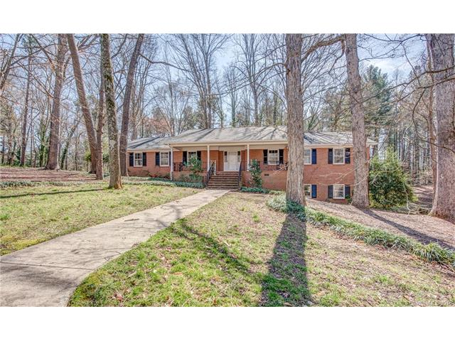 1302 Stone Gate Dr, Shelby, NC