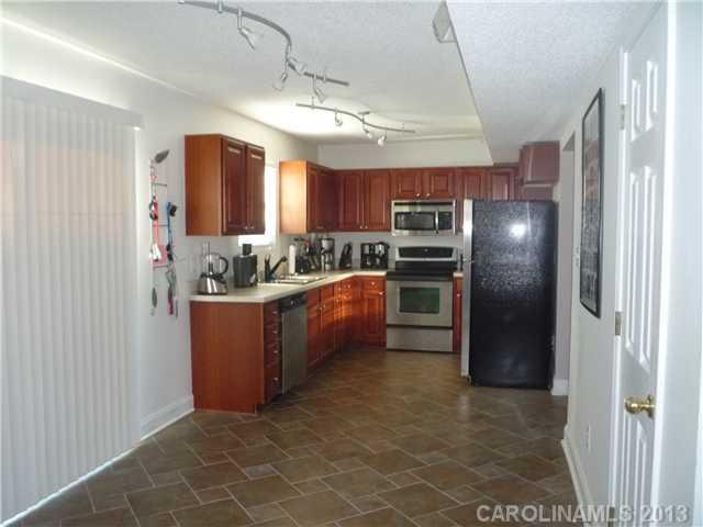1624 Brookgreen Ave, Statesville NC 28677