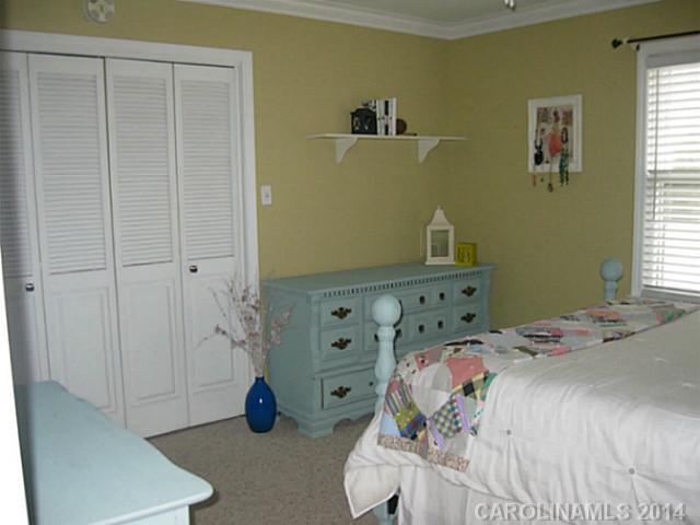 1503 Lakeview Dr, Monroe NC 28112