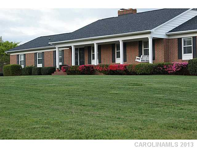 1503 Lakeview Dr, Monroe, NC