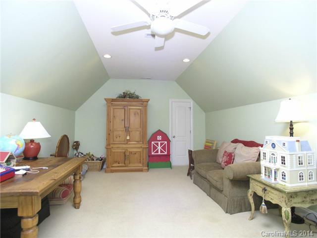 106 Mayfair Rd, Mooresville NC 28117