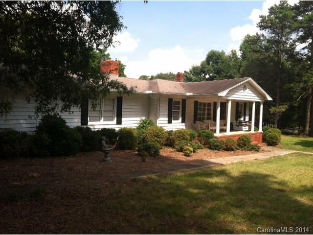 2621 Forest Lawn Dr, Matthews, NC