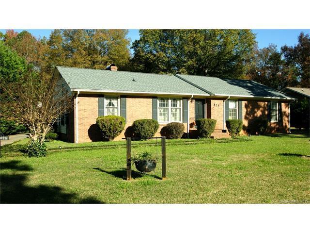 825 Peachtree Rd, Charlotte NC 28216