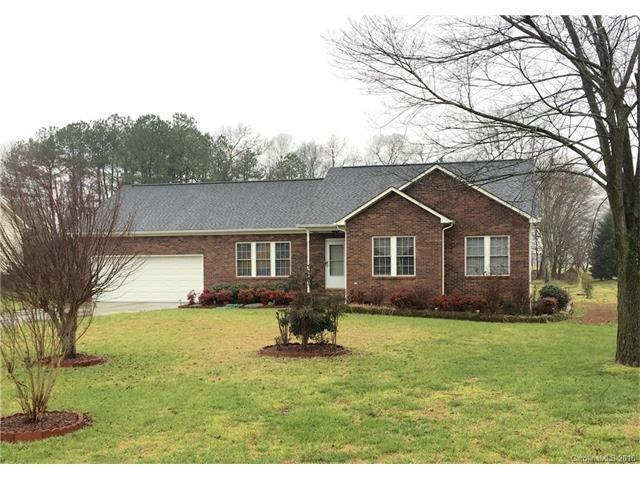 2120 Candlewood Dr, Concord NC 28027