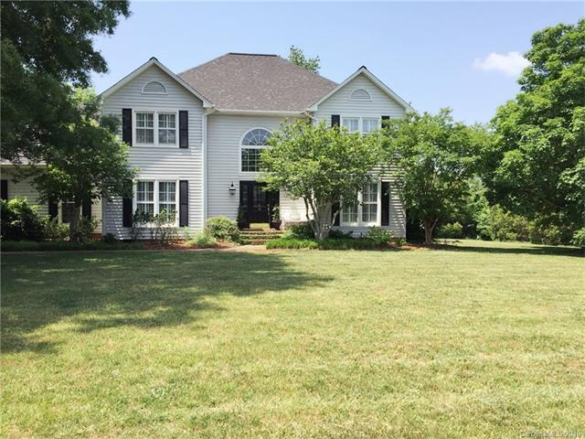 1810 Country Garden Dr, Shelby, NC