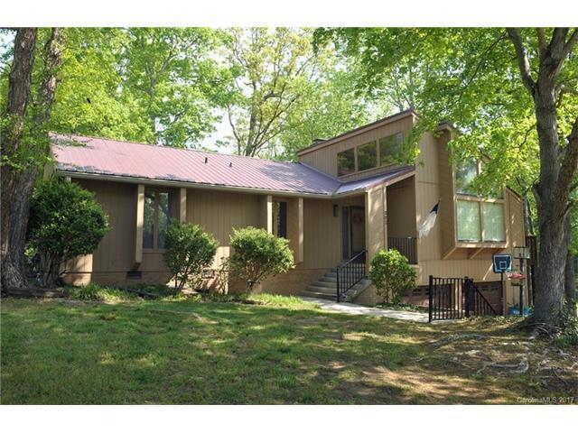 302 White Oaks Dr, Salisbury, NC 28147