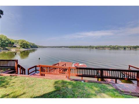 390 Lakeshore Dr, Salisbury, NC 28146