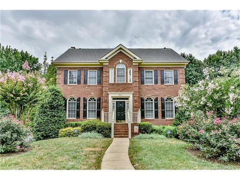 6114 Hickory Forest Dr, Charlotte, NC 28277