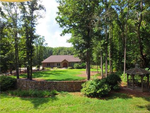 428 Meadowland Dr, Rock Hill, SC 29730