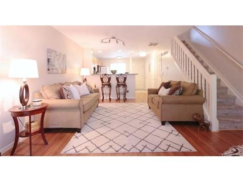 6712 Cypress Tree LnCharlotte, NC 28215