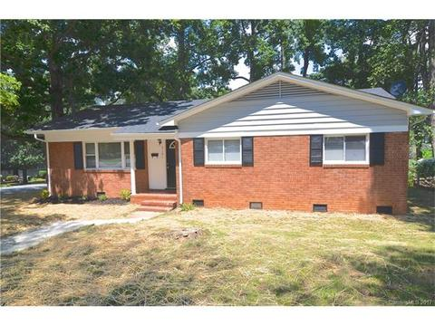 5101 Snow White LnCharlotte, NC 28213